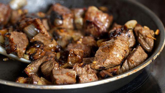 طاجن اللحم بالبصل