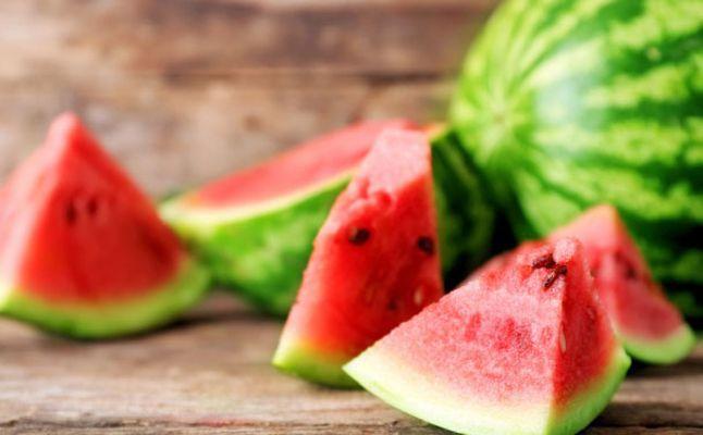 البطيخ أشهر فواكه الصيف مذاق شهي وفوائد عديدة