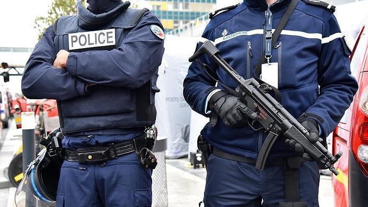 الشرطة الفرنسية تعتقل 6 أشخاص خططوا لمهاجمة ماكرون