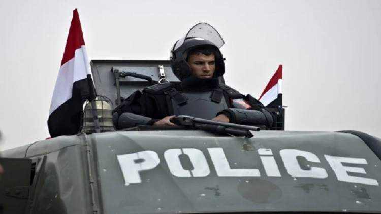 مقتل مسلح وإصابة آخر على يد الشرطة بصعيد مصر