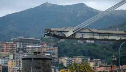 الداخلية الإيطالية: مقتل 31 شخصًا في انهيار جسر للسيارات بجنوة 5