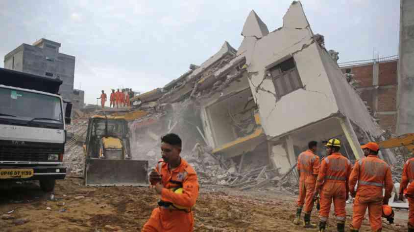 مصرع 37 شخصًا جراء فيضانات بغرب الهند 1