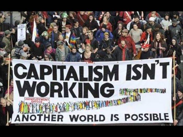 كيف تعيش الرأسمالية العالمية