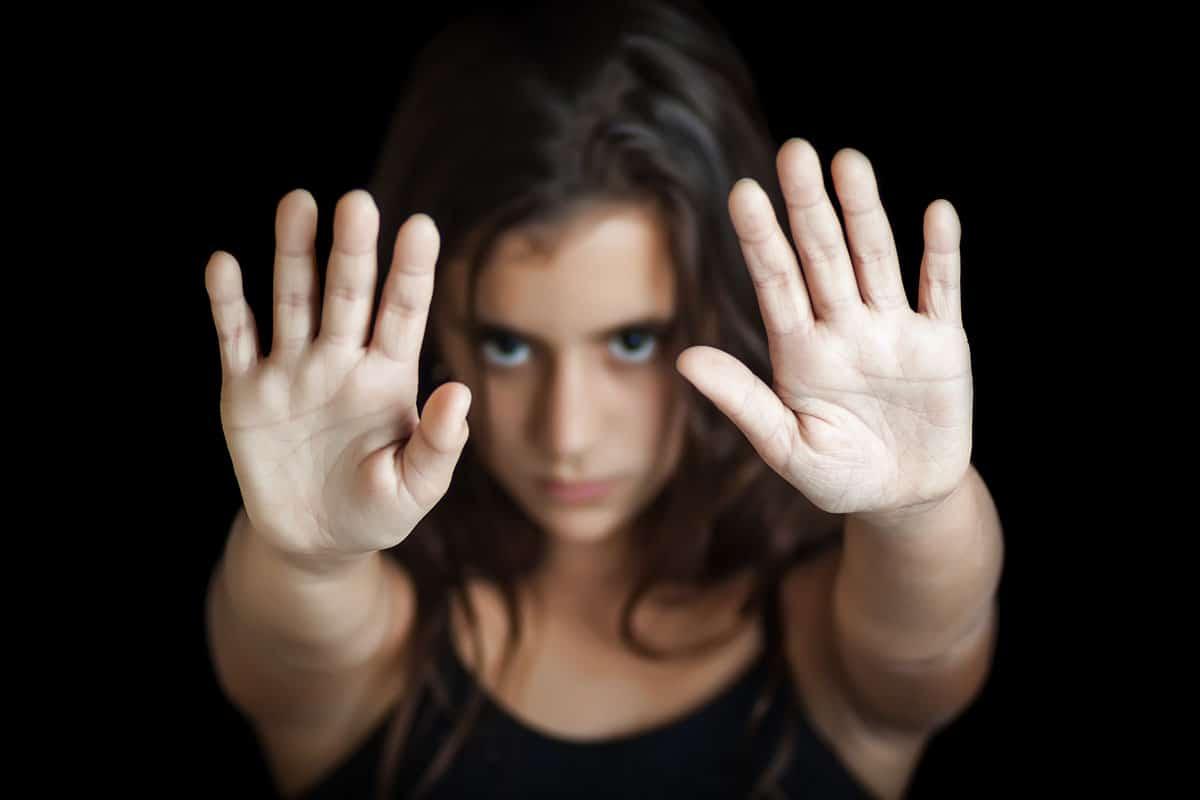 لهذه الأسباب يعد ختان الإناث جريمة حقيقية
