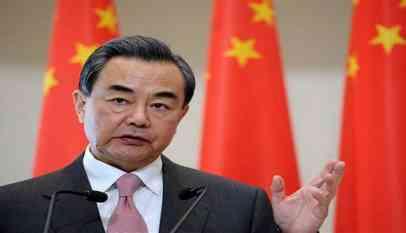 بريطانيا: كفة التوازن العالمي تميل لصالح الصين