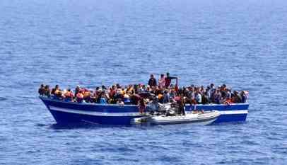 إنقاذ 447 مهاجرا