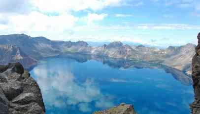 أجمل بحيرات العالم