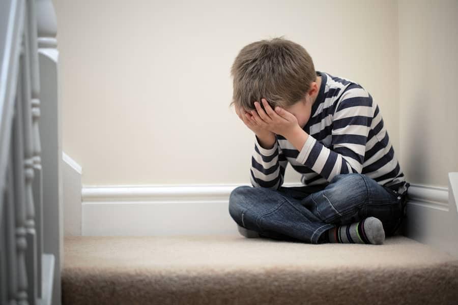 كيف تعرفين إصابة طفلك بالإكتئاب؟