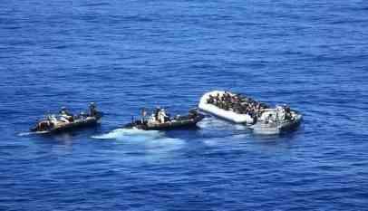 المغرب توقف 140 مهاجرا في البحر المتوسط