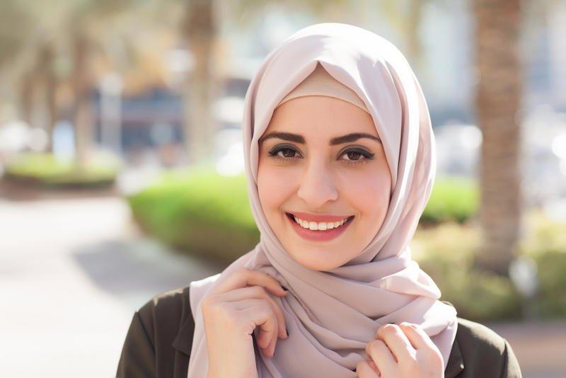 طرق سهلة تساعد في الحفاظ على الشعر تحت الحجاب