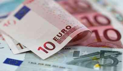 ارتفاع اليورو مع توقف الدولار