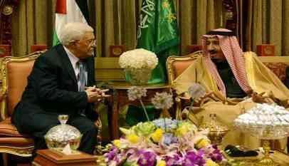 العاهل السعودي يؤكد لعباس موقف المملكة الداعم للقضية الفلسطينية