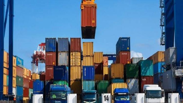 لماذا تراجعت صادرات وواردات الصي
