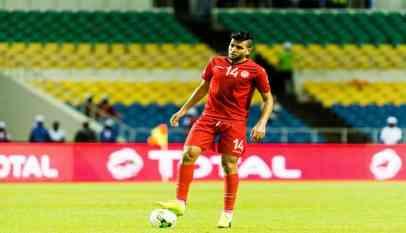 التونسي «بن عمر» ينفي أنباء توقيعه للأهلي المصري