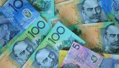 الدولار الأسترالي يقود موجة من الخسائر في تجارة السلع