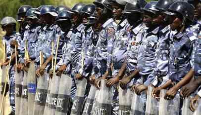 الشرطة السودانية تعتقل عددا من قادة أحزاب المعارضة