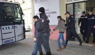مئات المداهمات وعشرات الاعتقالات في تركيا
