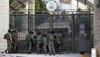 المؤبد لمسرب عقارات فلسطينية للاحتلال