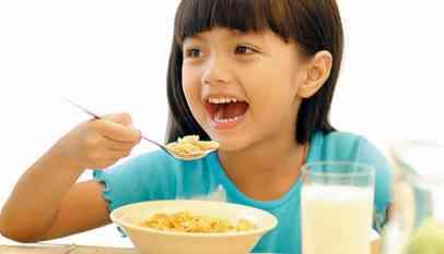 ضرورة تناول الأطفال وجبة الإفطار