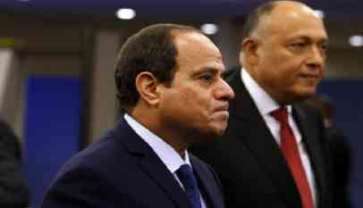 السيسي يدعو المصريين لتقليل السخرية منه