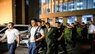تركيا تصدر مذكرات اعتقال بحق 60 عسكريا