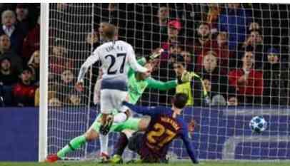 توتنهام يقتنص تعادلا ثمينا أمام برشلونة 1