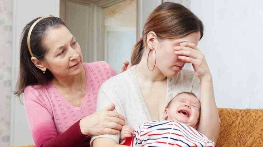 أعراض اكتئاب ما بعد الولادة