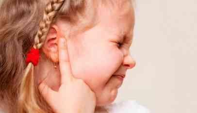 التهاب الأذن الوسطى عند الأطفال