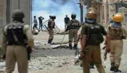 مقتل 11 في اشتباكات في إقليم كشمير