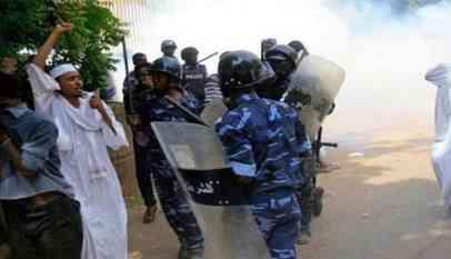 حملات أمنية مستمرة على المتظاهرين في السودان