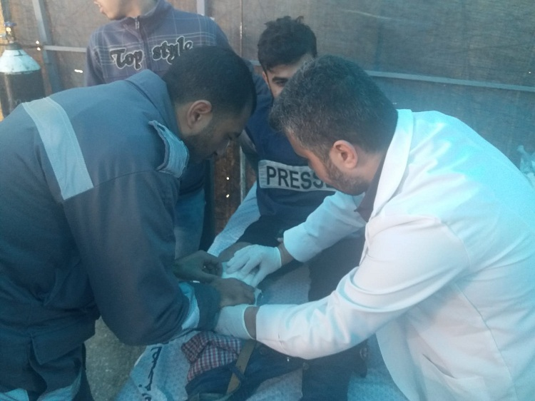 إصابة صحفيين ومتظاهرين برصاص الاحتلال شرق غزة في جمعة الوحدة طريق الانتصار