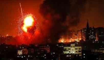 الطيران الاسرائيلي يشن عدة غارات علي قطاع غزة 22