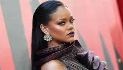 دعوى قضائية من مغنية باربادوسية ضد والدها