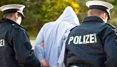 اعتقال موظف في ألمانيا