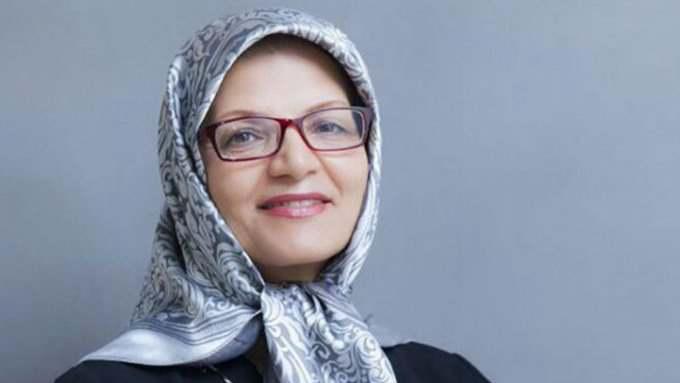الأمر بالمعروف الايرانى يحيل مسئولة للمحاكمة لانتقدها الحجاب 1