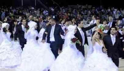 """عُرس جماعي لـ 400 عريس وعروس من المخيمات الفلسطينية""""بصيدا"""" اللبنانية"""
