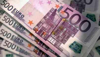 اليورو يمر بمراحل مراهقة مؤلمة