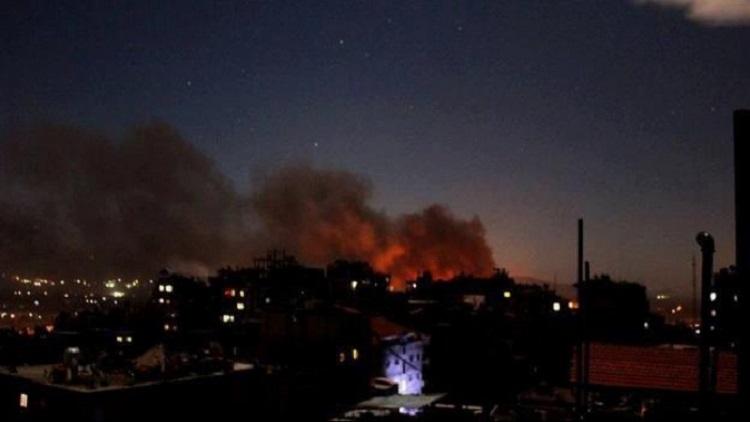 مقتل 5 جنود نظاميين في غارات إسرائيلية
