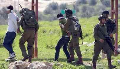 الاحتلال يعتقل 4 فلسطينيين