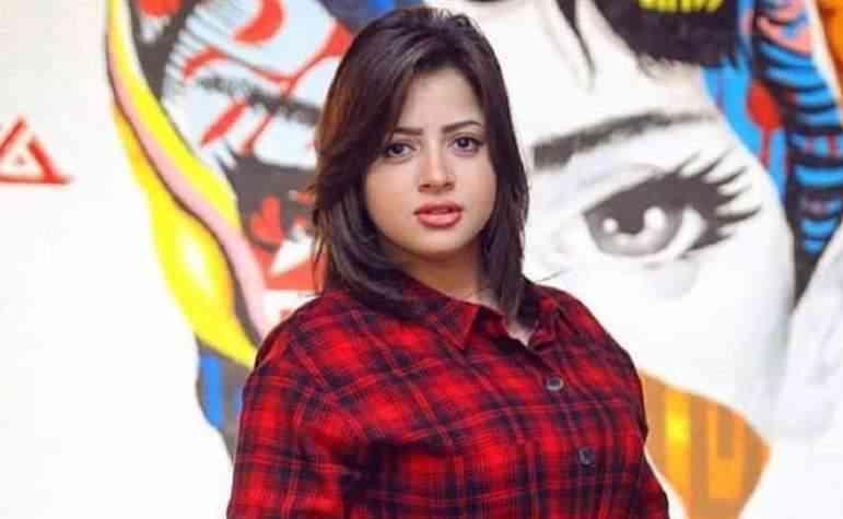 منى فاروق تعلق على تسريب فيديو اباحى لها على السوشيال ميديا