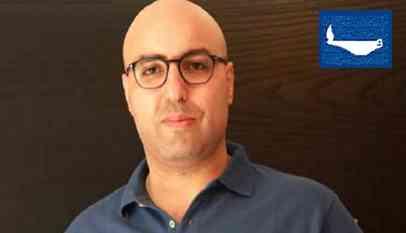 ناشط مصري يبلغ الرئيس الفرنسي رسالة