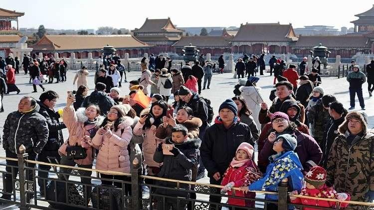 رجل يهاجم طلاب مدارس في بكين