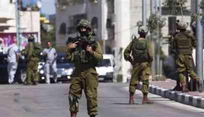 الاحتلال يطلق النار على فلسطيني