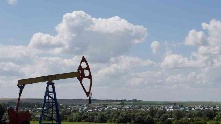 المحادثات الأمريكية الصينية تؤثر على أسعار النفط