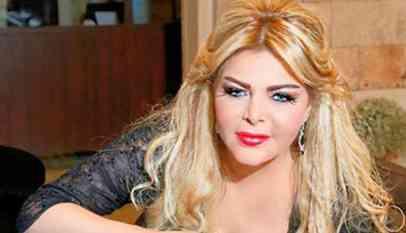 فلة الجزائرية تطالب بوتفليقة بالتدخل في قضيتها