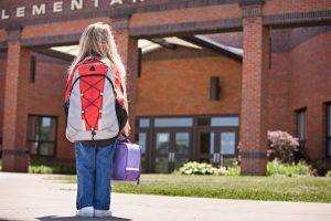 أسباب وطرق حل مشكلة خوف الأطفال من المدرسة