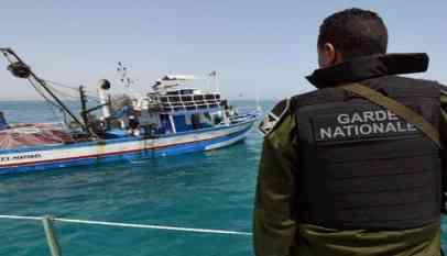 تركيا توقف 97 مهاجرا