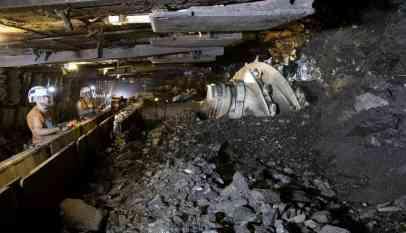 انهيار منجم فحم يقتل 19 عاملا