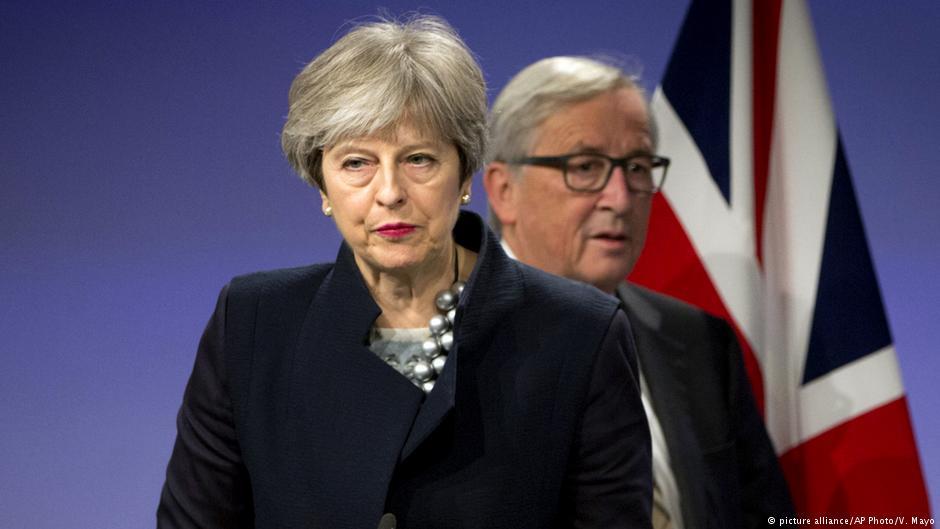 رئيسة وزراء بريطانيا توافق على ترك منصبها