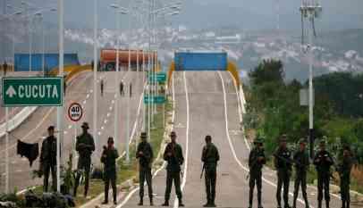 مساعدات أمريكية تصل الحدود مع فنزويلا